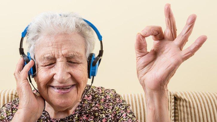 Allt ljud består av ljudvågor som träffar öronen och tolkas av hjärnan.