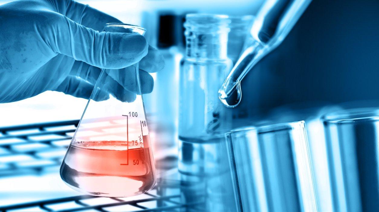 När du labbar är det viktig att arbeta säkert och att dokumentera det du gör.