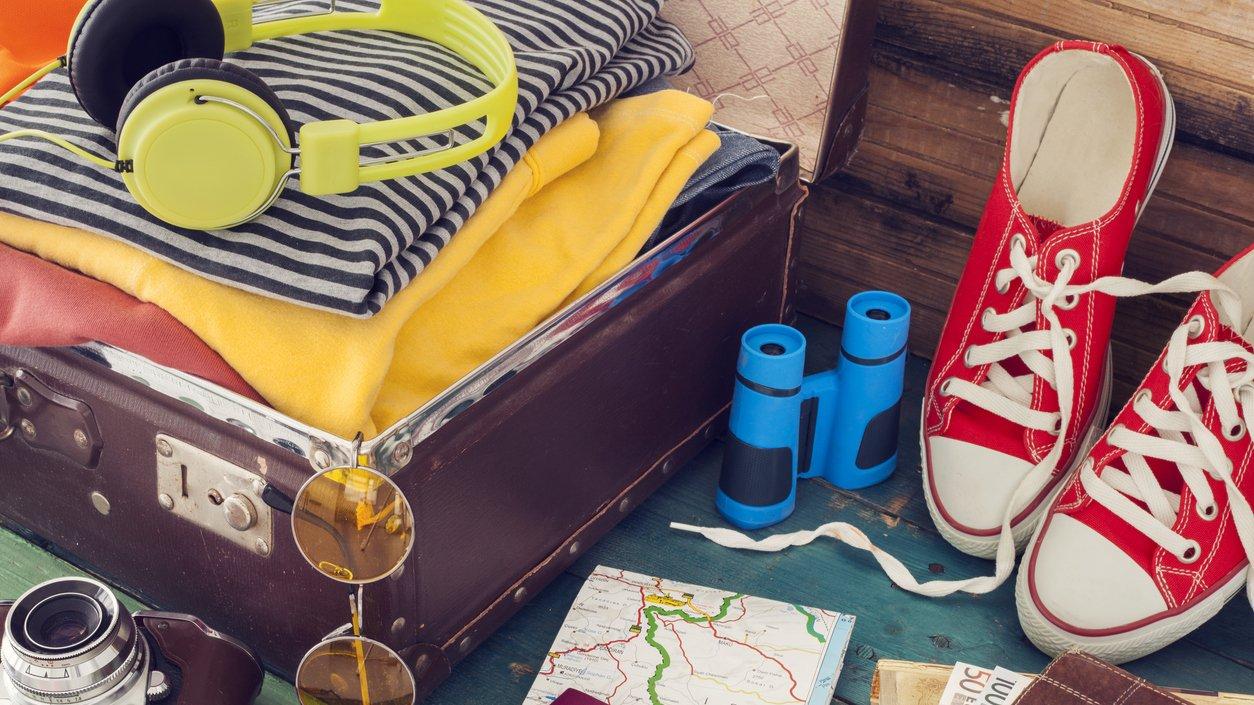 Packa väskan och följ med på en lång och lärorik resa.