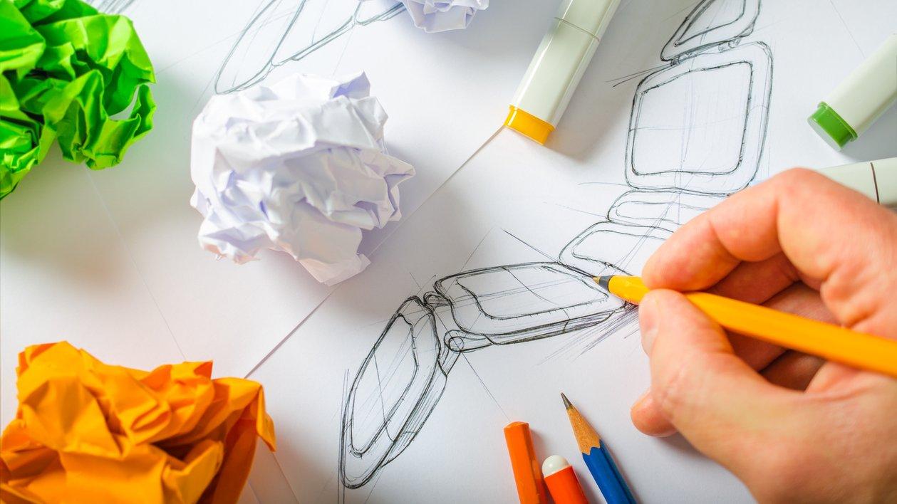 Att rita skisser kan vara en del av arbetsprocessen.
