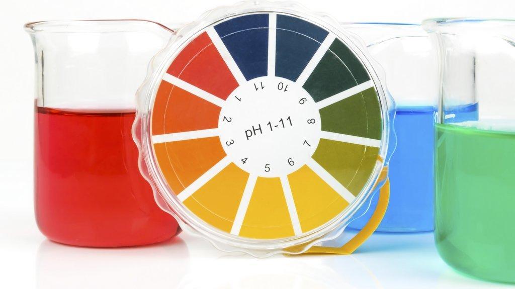 Hur surt eller basiskt ett ämne är anges med pH-värde.
