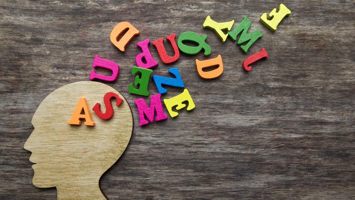 Det finns många ord lagrade i din hjärna. Du sorterar orden i ordklasser utan att du tänker på det.