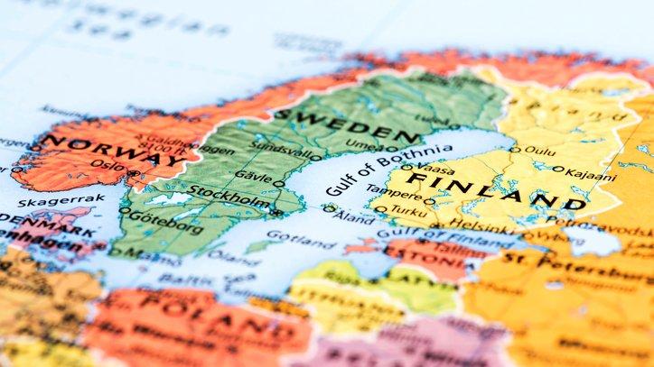 De nordiska länderna är Sverige, Norge, Finland, Danmark  och Island. Länderna ligger nära varandra och deras språk har en hel del likheter, men även skillnader.